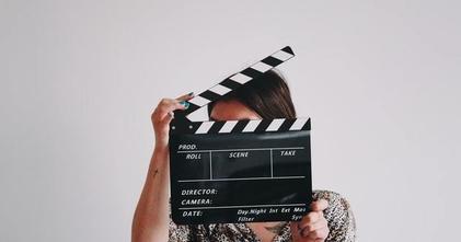 לצילומי סדרת דרמה חדשה דרושים שחקנים ושחקניות בגילאי 18-21 בעלי ניסיון או רקע כלשהו בלימודי משחק