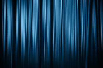 להצגת יחיד ברחבי הארץ דרושה שחקנית(נידות חובה)